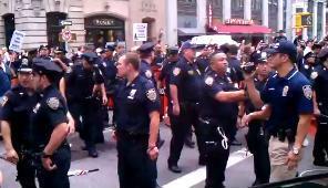 "Les policiers en renfort du ""New York Police Department"" NYPD"