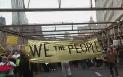 Occuper Wall Street : 1er octobre 2011, 700 manifestants arrêtés par la police sur le pont de Brooklyn à New York, US